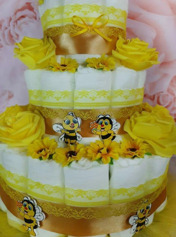 kollane mähkmetort mesilasega 2