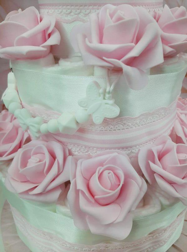 Heleroosa Mähkmetort roosidega 2