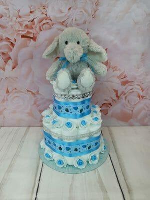 sinine väike mähkmetort elevandiga